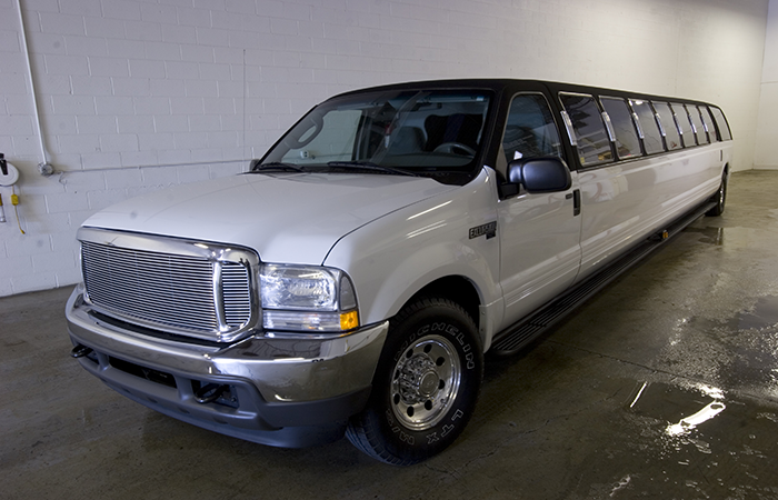 Ford Excursion Stretch SUV